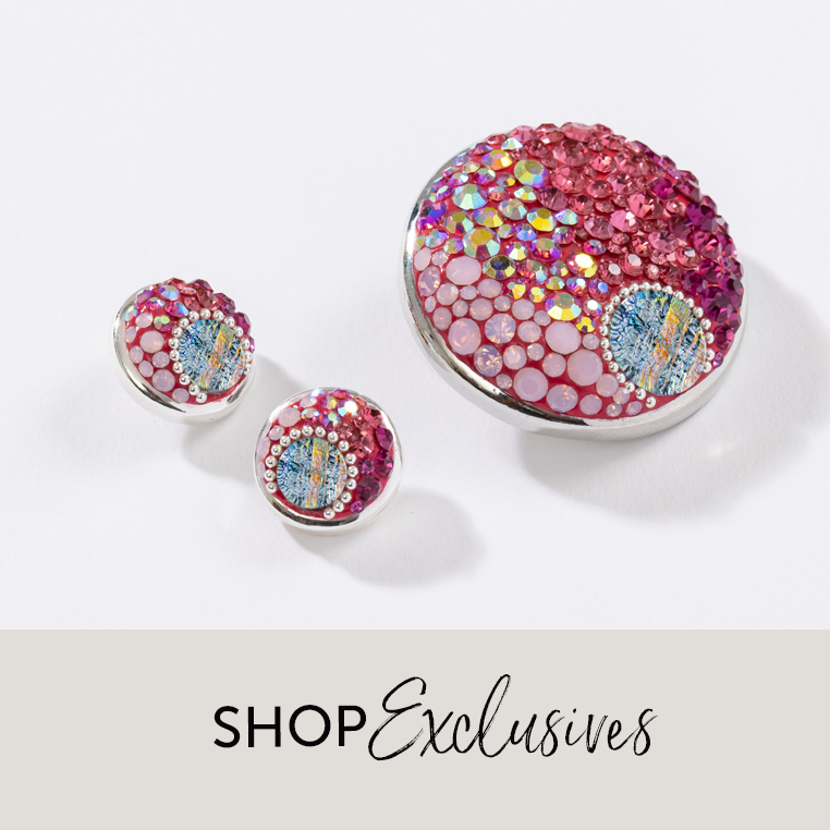 Exclusive fuchsia dots in multiple sizes