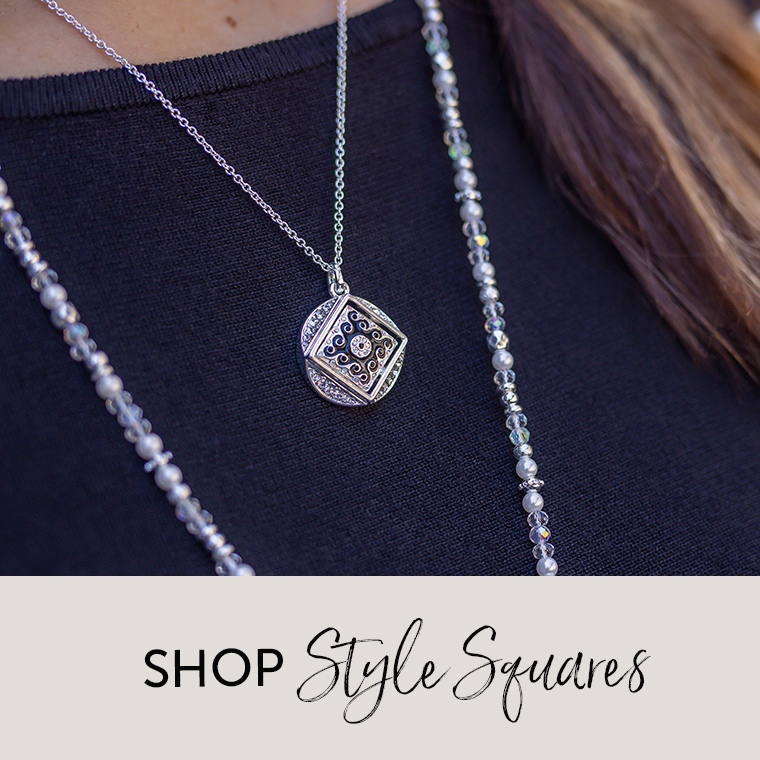 Necklace with black and silver Style Square